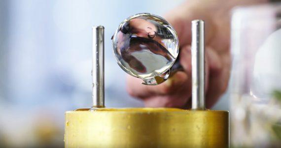 Eisball Maschine