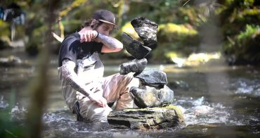 Stone Balance Manu Topic