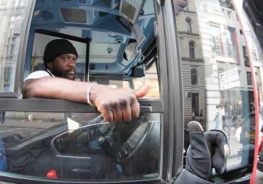 Busfahrer x Motorradfahrer